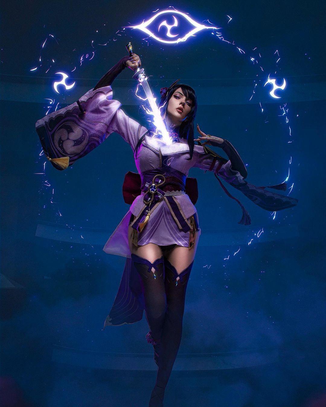 Правильный косплей на Genshin Impact — Мона, Нин Гуан и Сёгун Райдэн