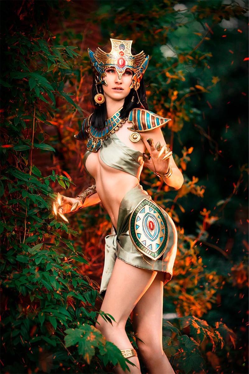 Модель Melee в образе древнеегипетской богини радости Бастет. Фотограф Sosayweal