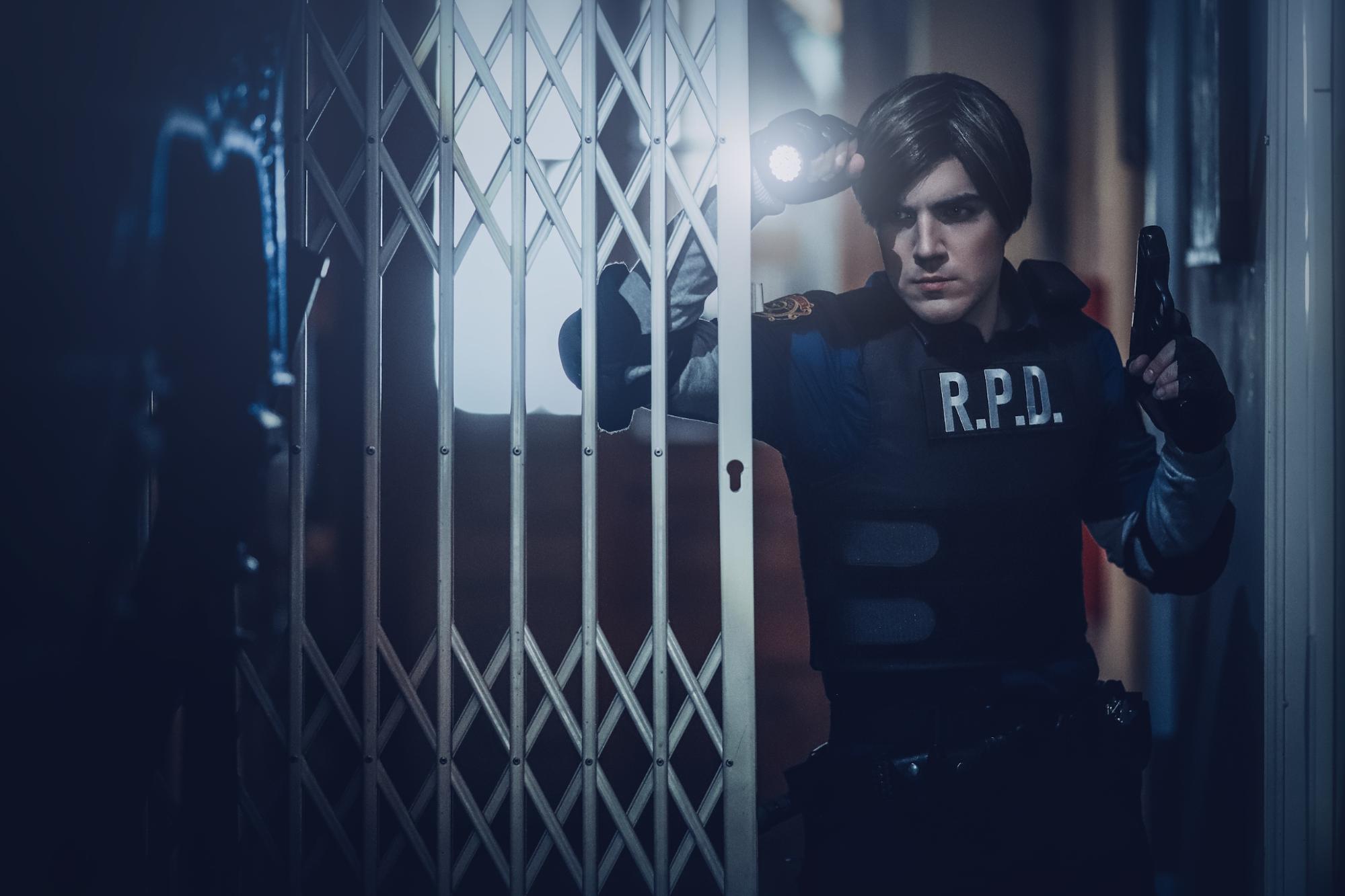 Пятничный косплей по вселенной Resident Evil — Ада Вонг и Джилл Валентайн