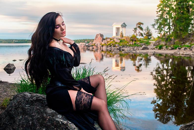 Правильный косплей на Йеннифэр из Ведмака — семь лучших фотосетов девушек