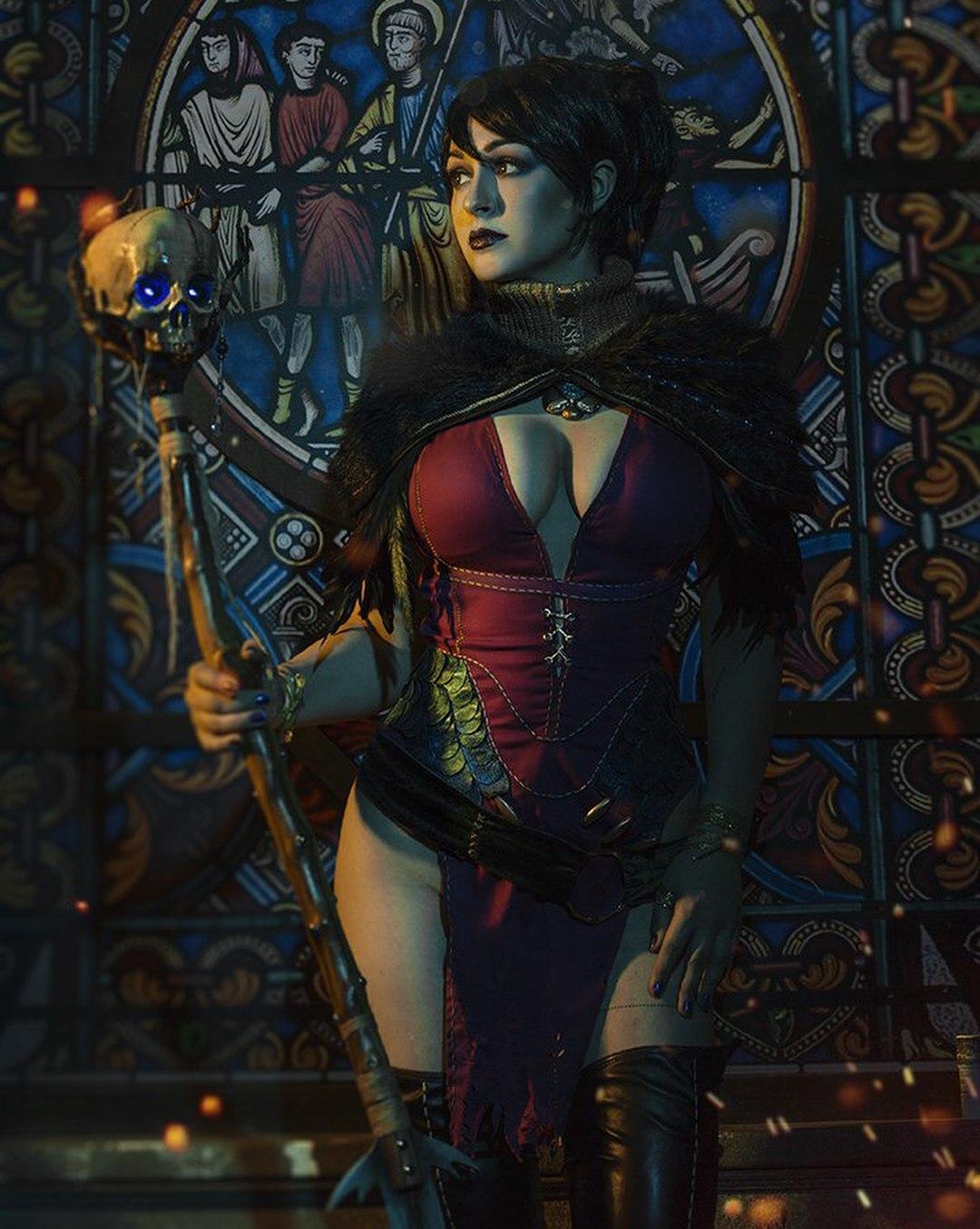 Опасная красотка Морриган из Dragon Age в подборке правильного косплея.